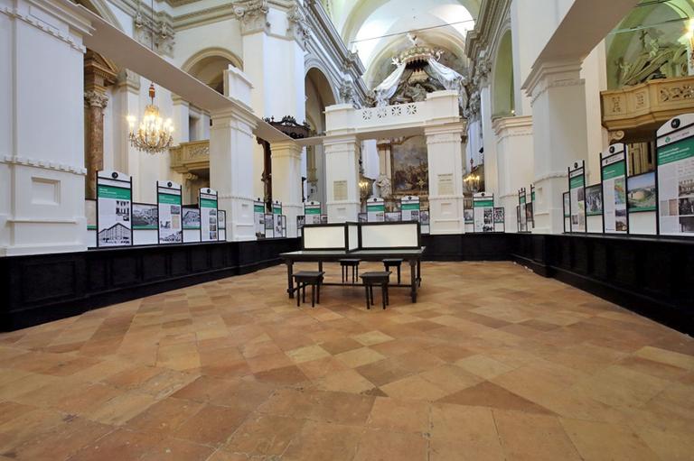 La mostra di BPER Banca nella chiesa di San Carlo a Modena