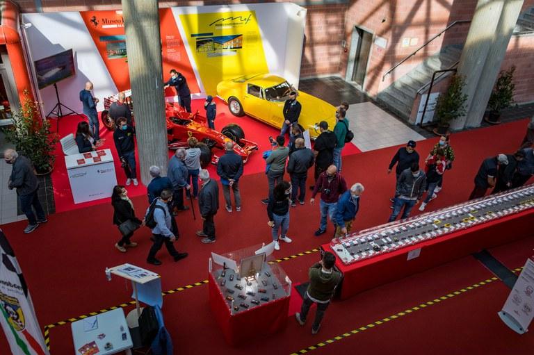 Ferrari in Galleria