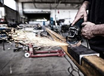 Congiuntura dell'industria manifatturiera: si affaccia una timida ripresa sostenuta ancora dagli ordini esteri