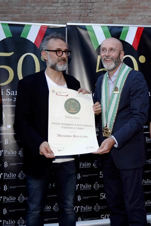 A Massimo Bottura il diploma di Maestro Assaggiatore di Aceto Balsamico Tradizionale